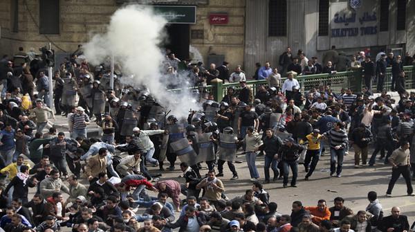 i_momenti_di_repressione_della_protesta_da_parte_dell_esercito_3316